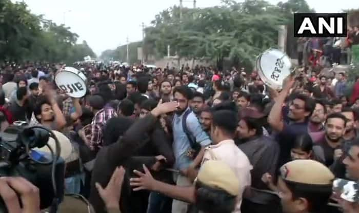 HRD Minister Leaves AICTE Office After Being Stuck Inside For Six Hours Following JNU Protest