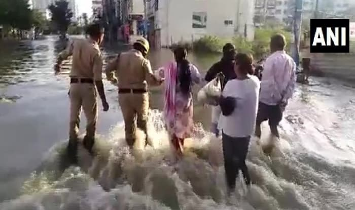 A lake in Hulimavu area of Bengaluru breached due to crack in the boundary. Photo: ANI