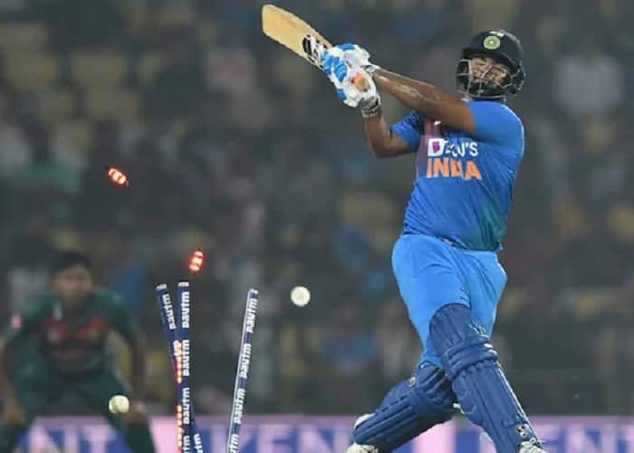 Rishabh Pant's Lapses Are Talked About More as He's Doing a Thankless Job: Sunil Gavaskar
