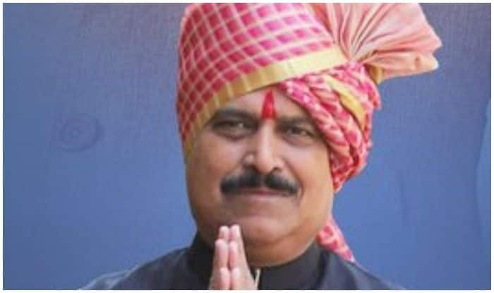 'Airports, Trains Are Full; People Getting Married,' Union Minister Asserts Economy Doing Fine