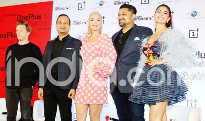 Katy Perry Arrives in MUMBAI; Has Shopping, Eating And Bollywood on Mind