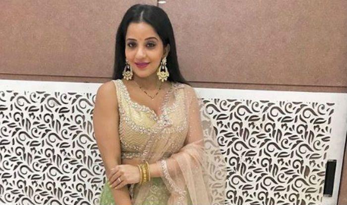 Bhojpuri Hottie Monalisa Amps up The Green Lehenga Look With Huge Earrings