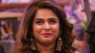 Bigg Boss 13: Madhurima Tuli Rises, Gives Back to Vikas Gupta, Takes Shehnaaz Gill Heads on