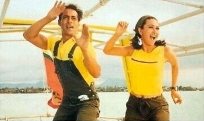 Salman Khan and Karisma Kapoor in a still from Dulhan Hum Le Jayenge's song, Pyaar Dilon Ka Mela Hai