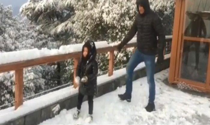 पापा धोनी की मस्ती का बेटी जीवा ने कैसे लिया बदला..देखें VIDEO