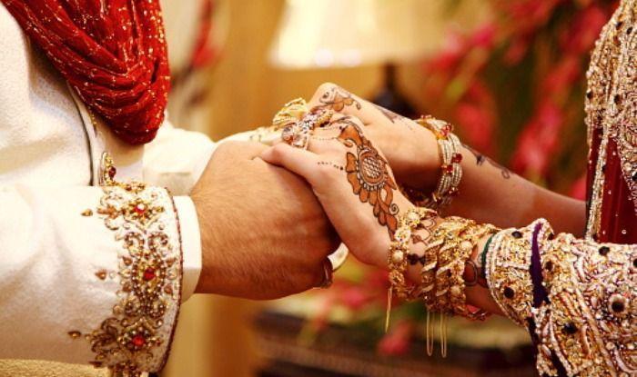 Marriage Tips: शादी के बाद अक्सर ये गलतियां करते हैं नए जोड़े, आगे चलकर आ  सकती हैं दिक्कतें - Relationship tips new couples do these kind of mistakes  - Latest News &
