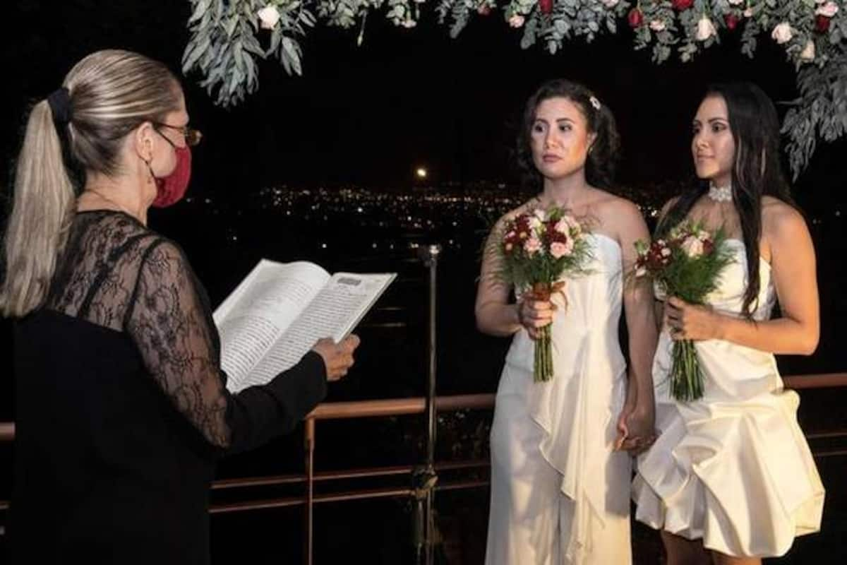 Love Wins': As Costa Rica Legalizes Same-Sex Marriage, Lesbian Couple Ties  the Knot At Midnight | India.com