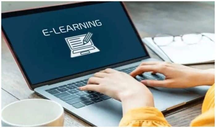 West Bengal Govt to Provide Free Tabs to 9.5 Lakh Students to Promote Online Education