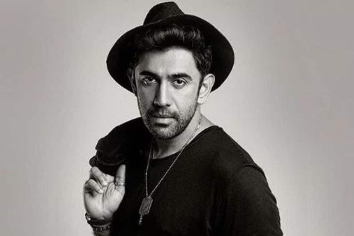 After Abhishek Bachchan Tested Positive, His co-star Amit Sadh to Get COVID-19 Test Done