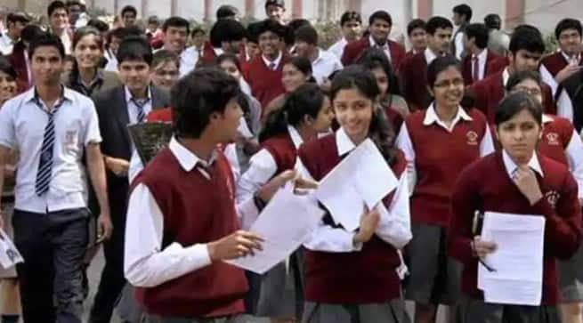 CBSE Compartment Exam 2020 News: Students Not Ready to Give Exams Citing Health Risk, Ask Supreme Court For Intervention