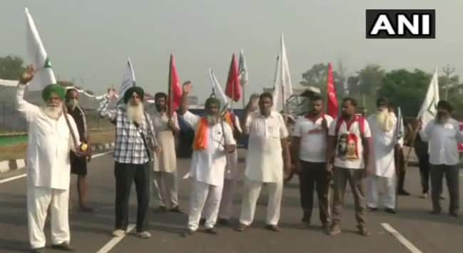 Bharat Bandh Today LIVE: Farmers Block Highways as Protests Against Farm Bills Intensify, Cops on High Alert