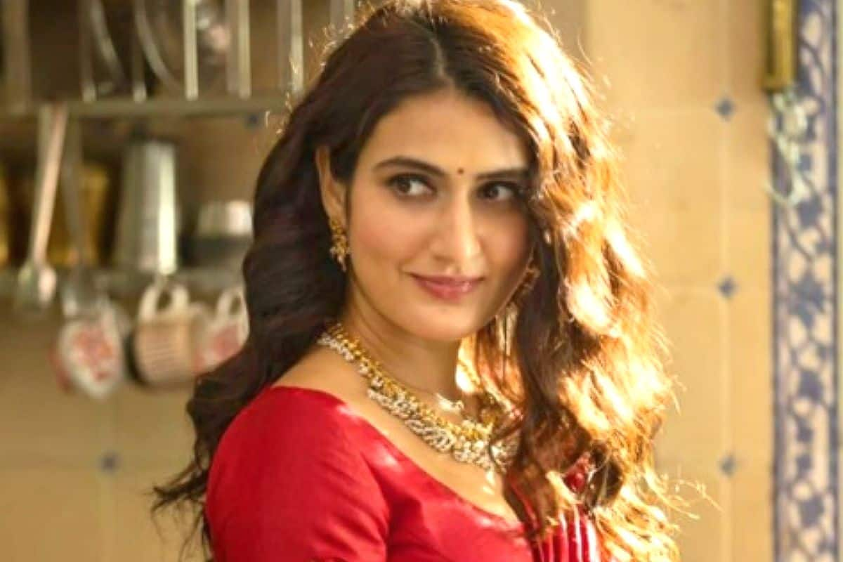 Fatima Sana Shaikh Tests Positive For COVID-19, Under Home Quarantine