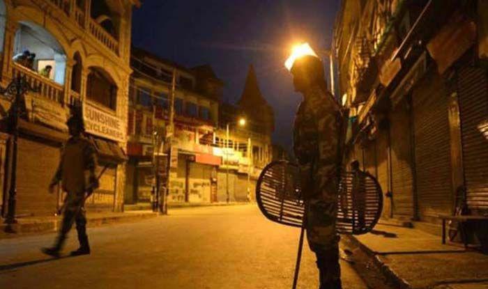 Night Curfew In Maharashtra: महाराष्ट्र में कोरोना से आफत, Wardha जिले में नाइट  कर्फ्यू लागू - Night curfew in maharashtra night curfew imposed in wardha  district during coronavirus cases increase - Latest