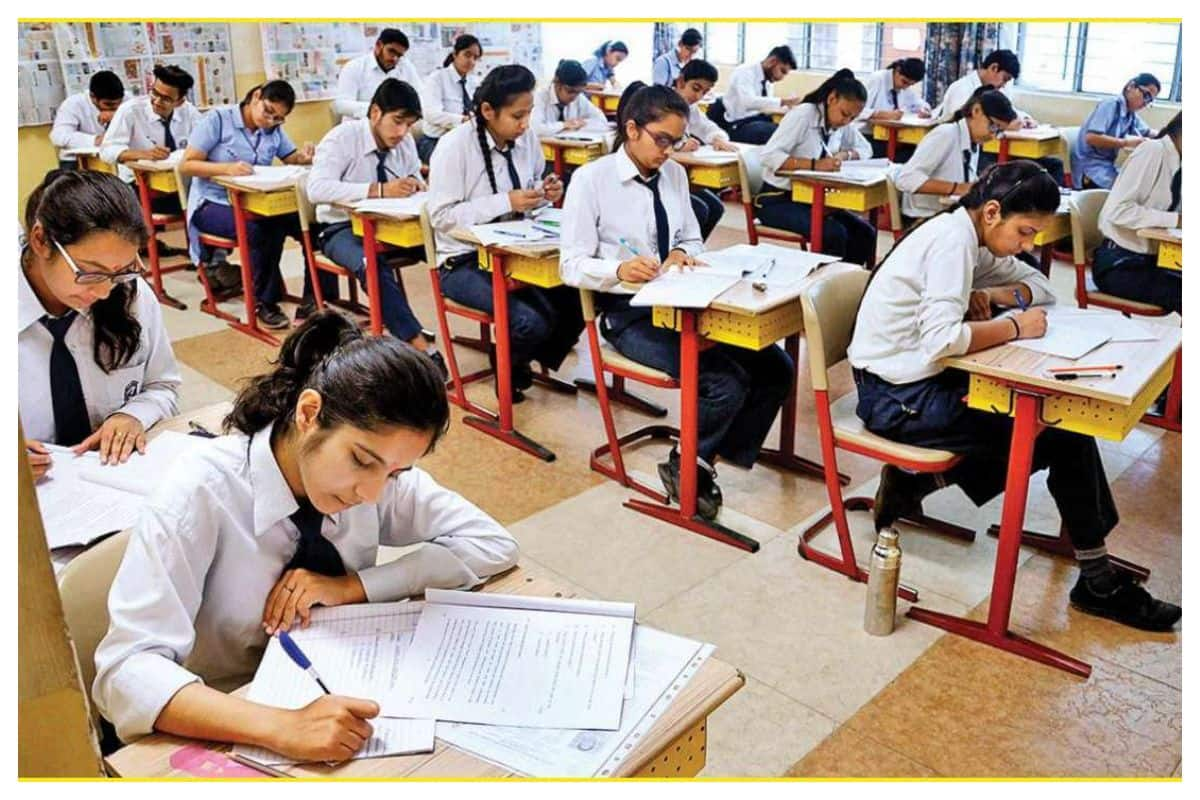COVID-19: Universities, Colleges in Uttar Pradesh Reopen With 50 Percent Attendance of Students