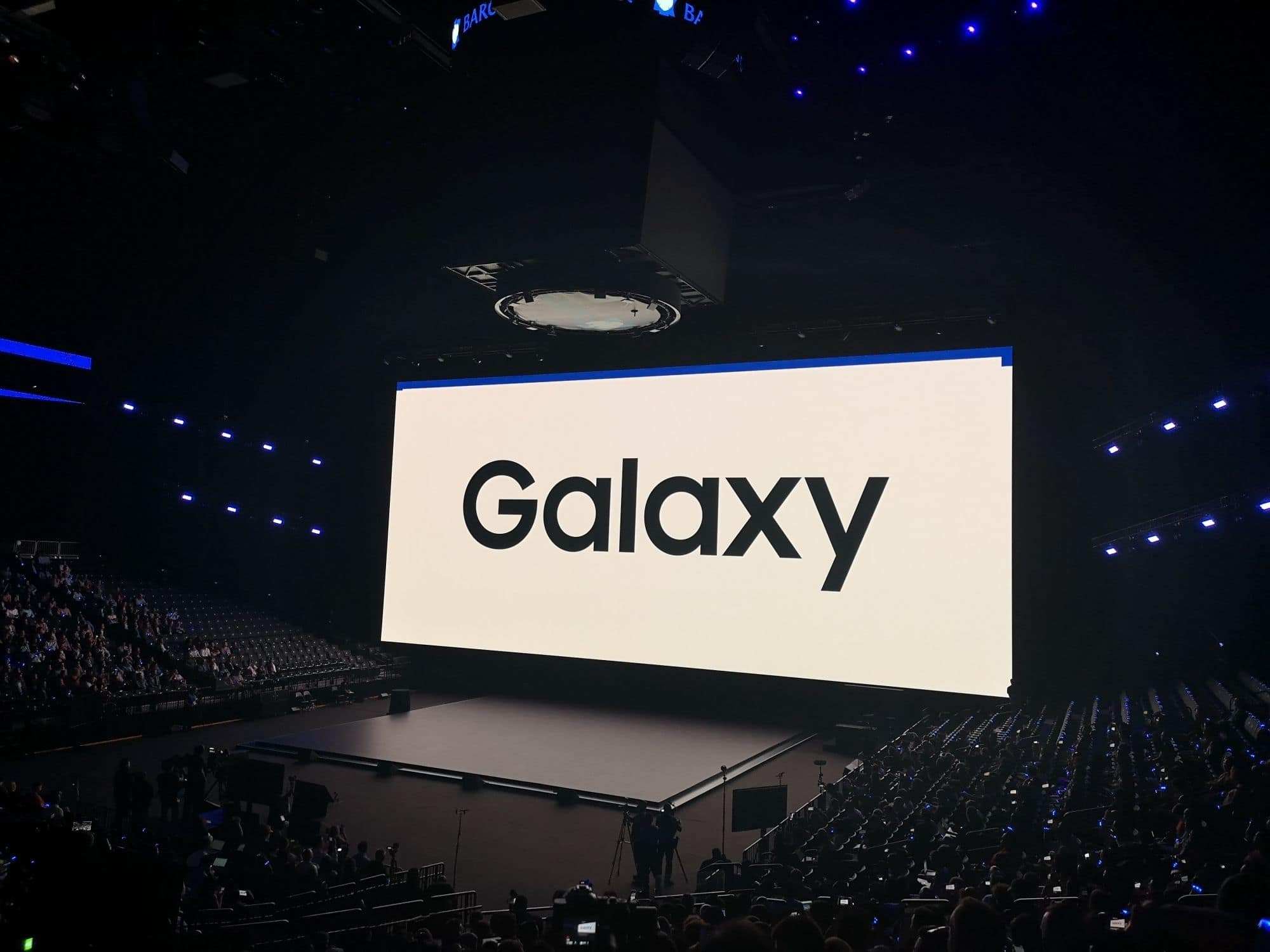 Samsung Likely to Launch 3 Types of Foldable Phones in 2021