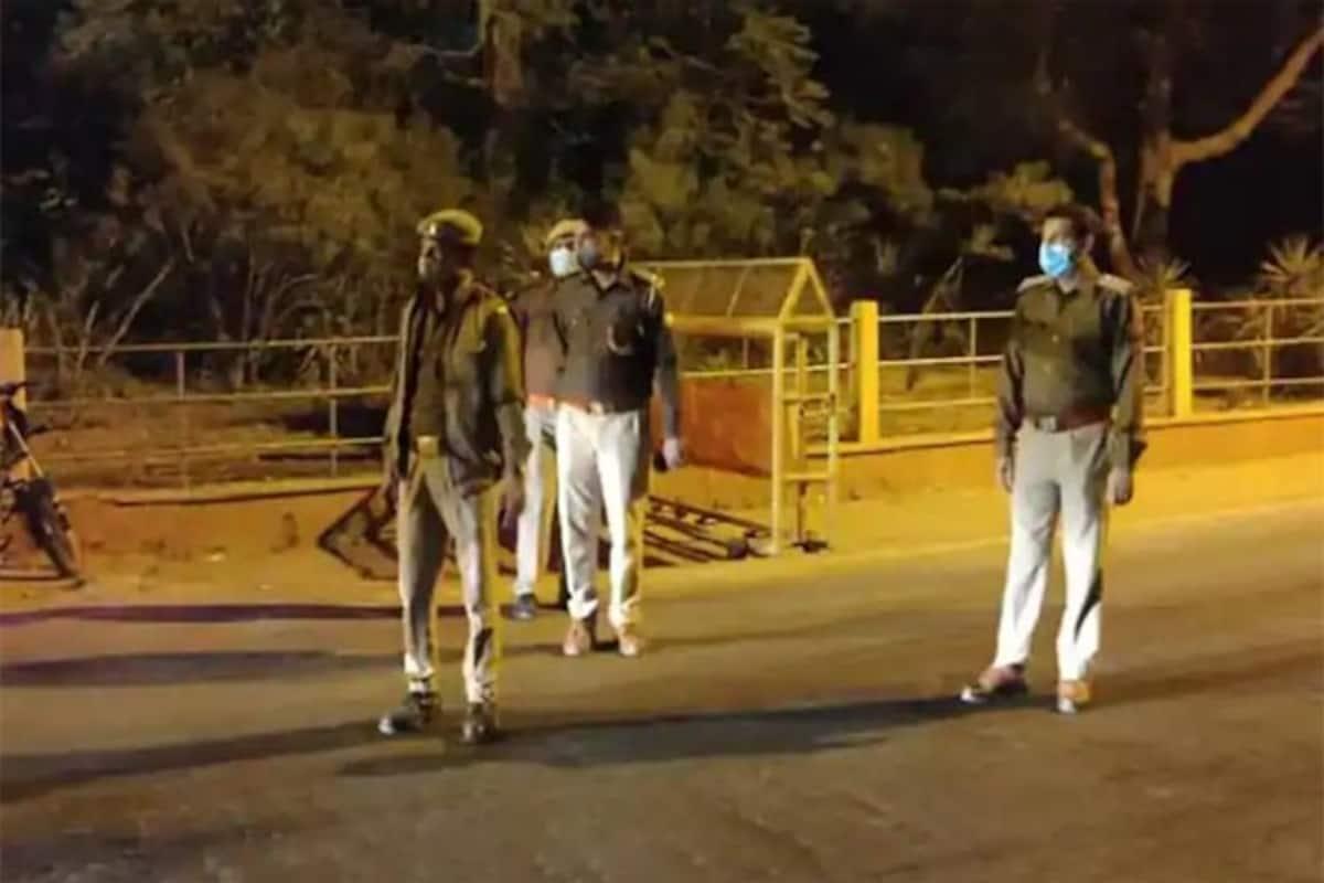 Night Curfew Timing In Delhi: दिल्ली में आज और कल नाइट कर्फ्यू, नए साल का  जश्न हुआ फीका - Night curfew is imposed in delhi no new year celebration  event no gatherings