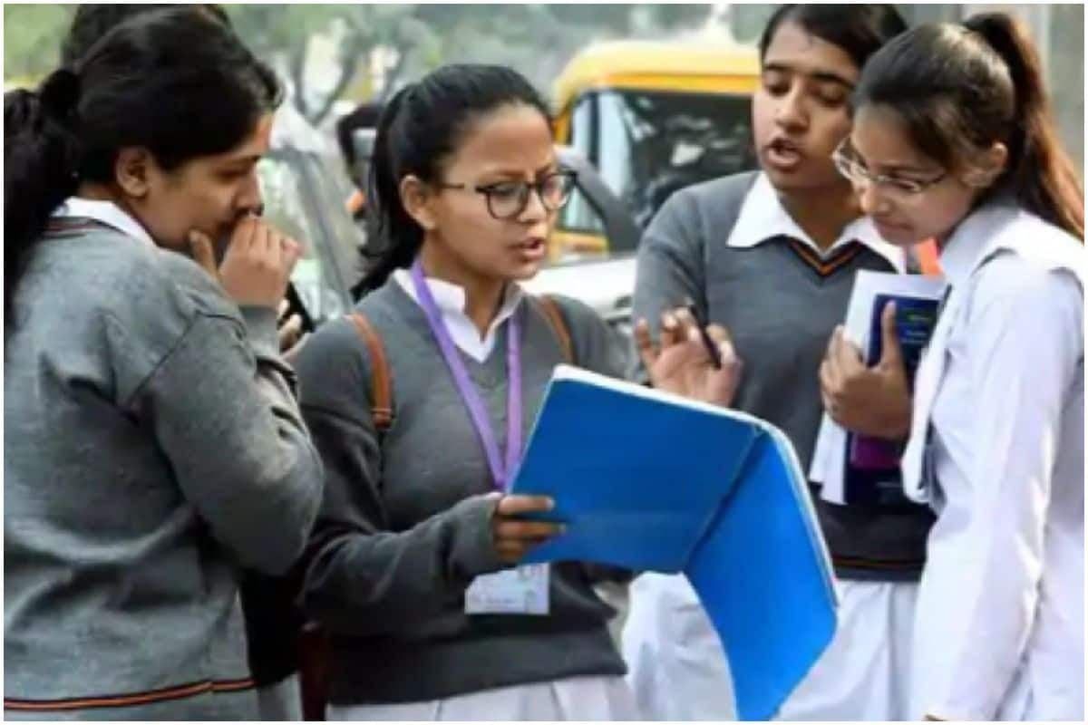 Schools in Himachal Pradesh to Reopen From Feb 1, Face Mask Must For Students