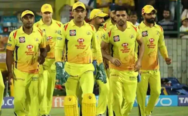 MS Dhoni to Ruturaj Gaikwad, Players Chennai Super Kings (CSK) Are Likely to Retain Ahead of IPL 2022 Mega Auctions
