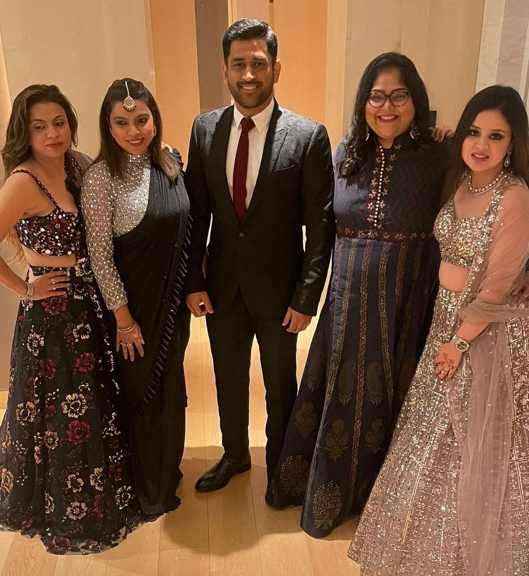 Sakshi Dhoni Instagram Marriage Party Pics with MS Dhoni and others
