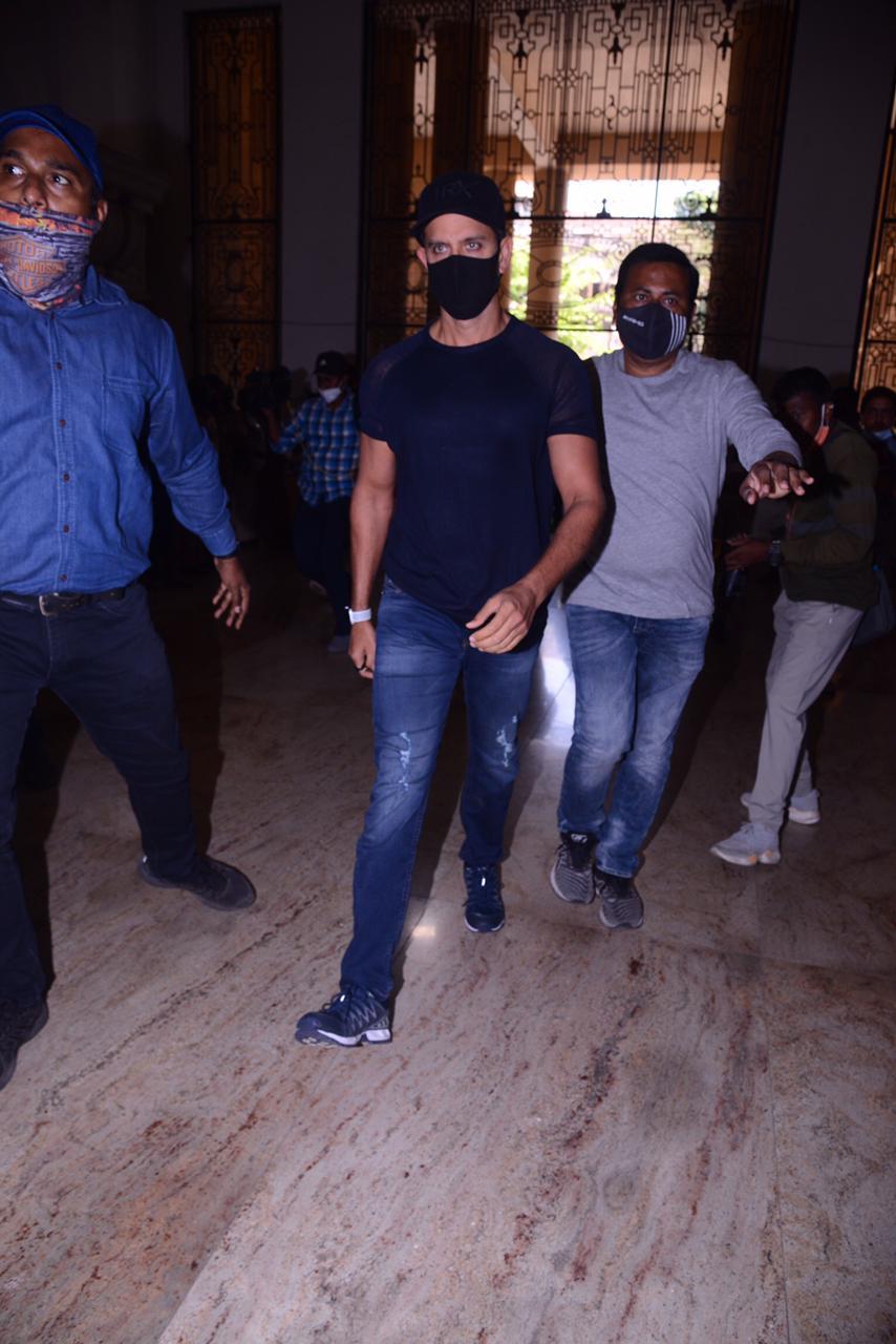 Hrithik Roshan Reaches Crime Branch