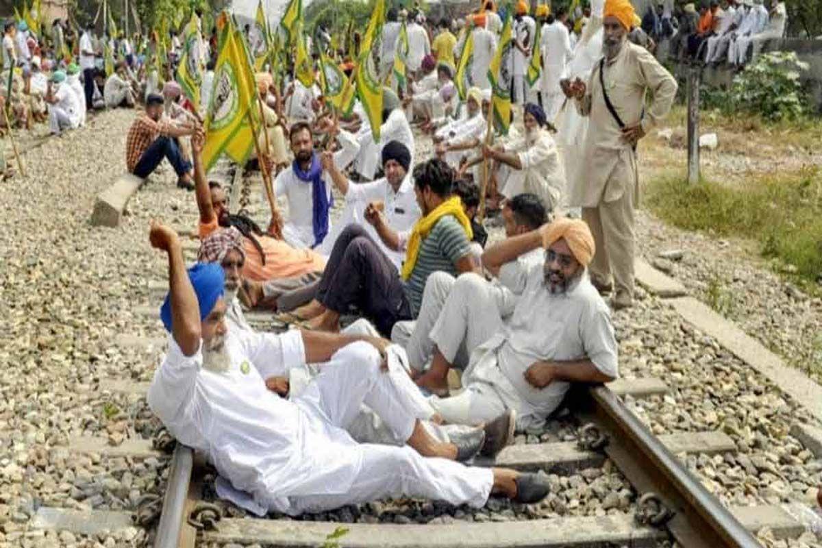 'Rail Roko Andolan Today Live Updates :' कृषि कानूनों पर आज फिर किसानों की ललकार, यात्रियों का करेंगे सत्कार, जानिए