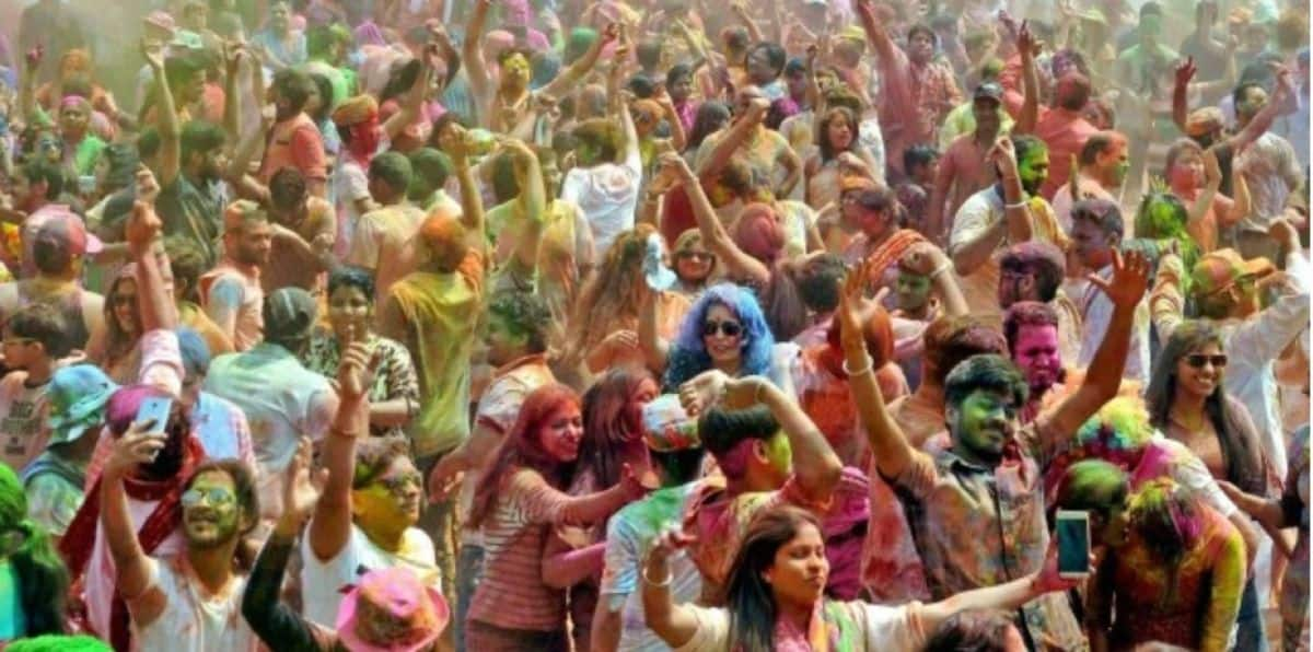 Coronavirus State Guidelines For Holi: 5 Indian States Where Gatherings Are Banned This Year