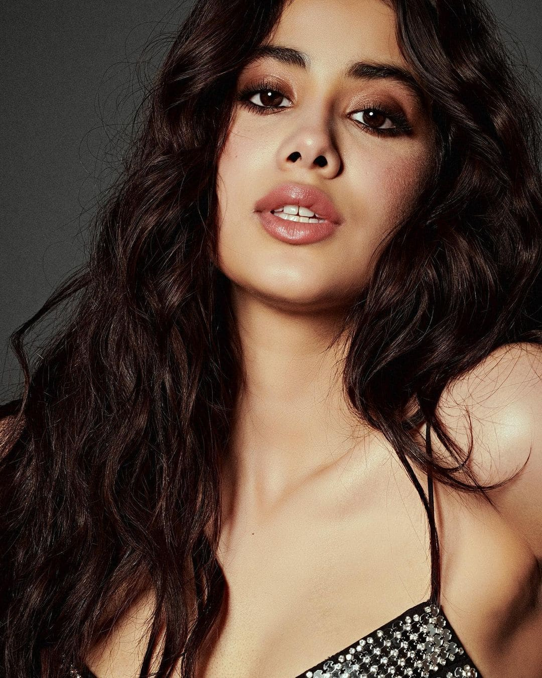 Janhvi Kapoor Hot Photo Shoot  5