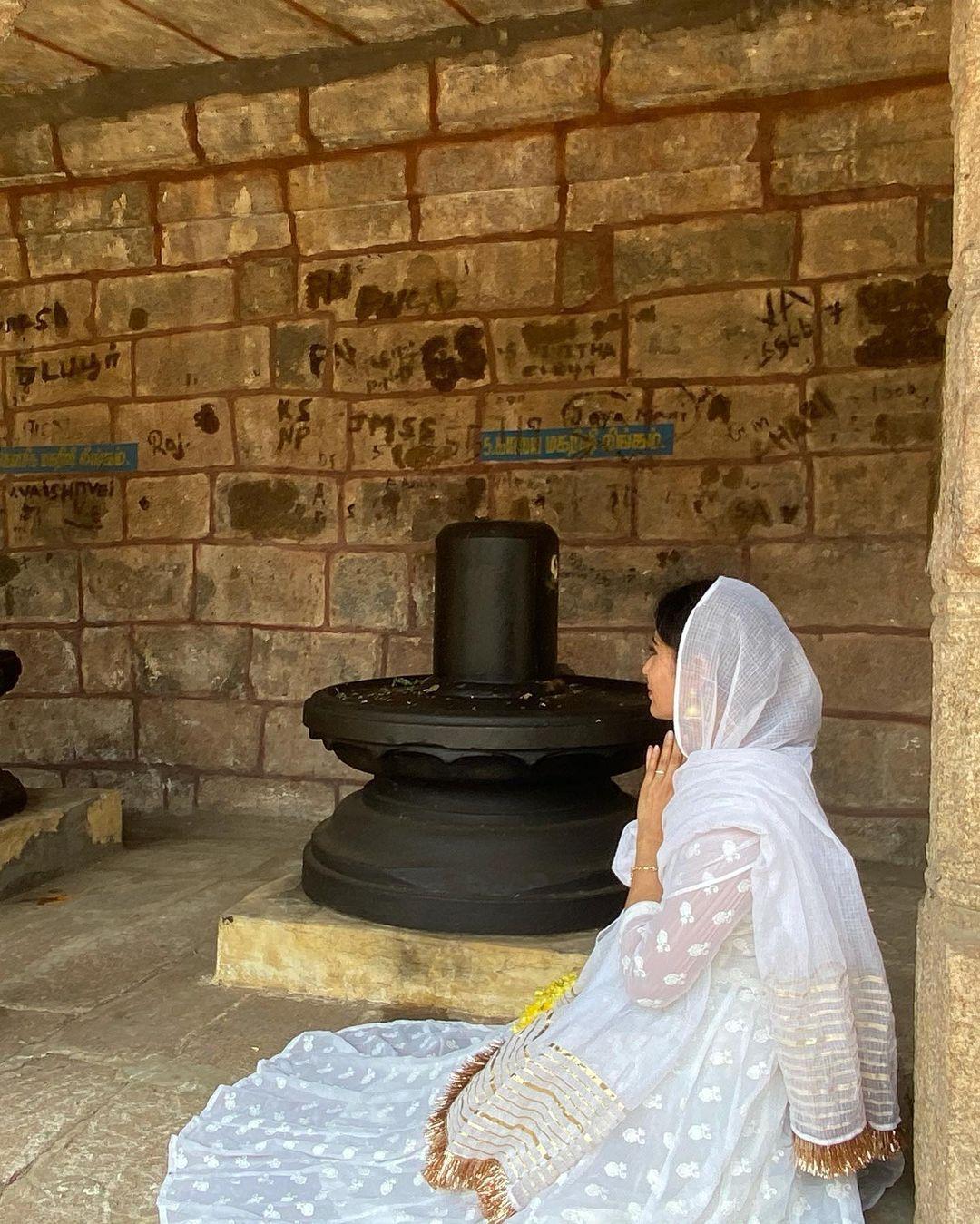 Mouni Roy Maha Shivratri Pic  6