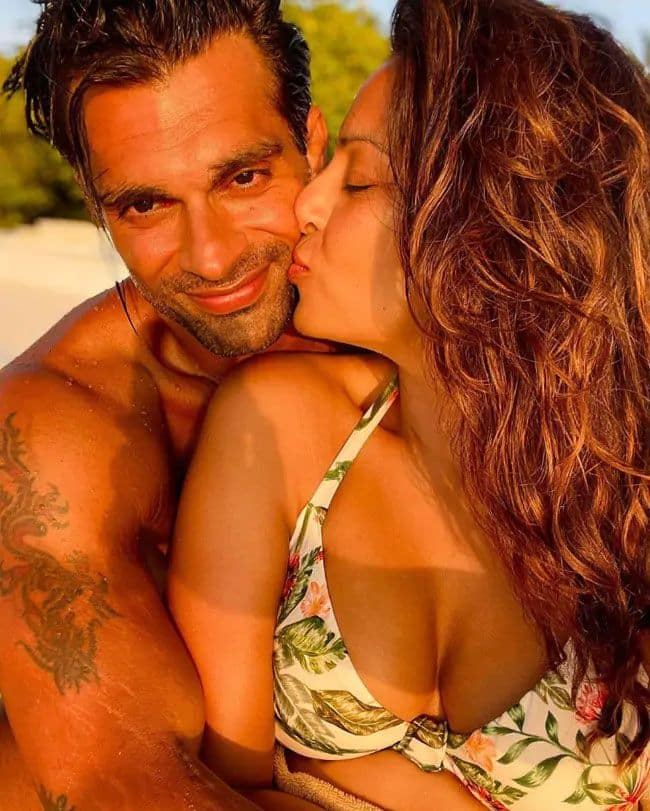 Bold pictures Bipasha Basu and karan singh grover from Maldives trip in Floral Bikini see most romantic and hot pics