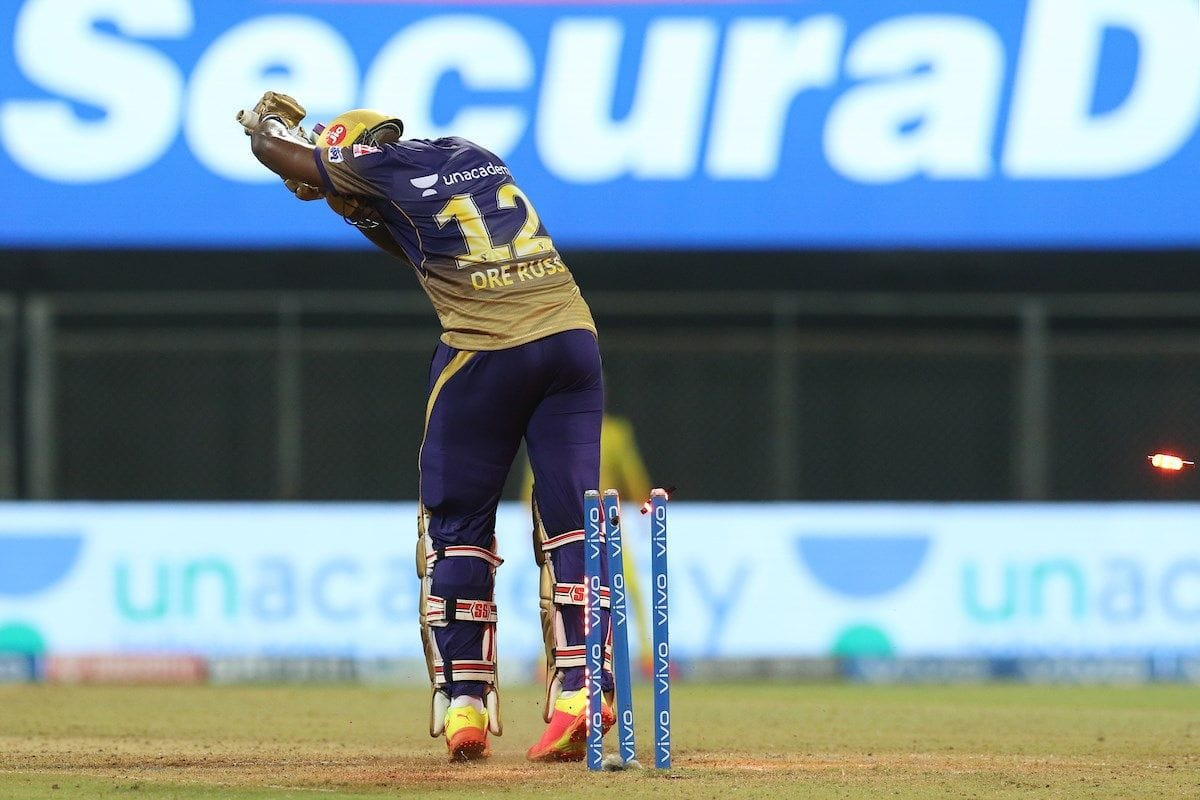 Andre Russell Clean Bowled by Sam Curran in Most Bizarre Fashion During KKR-CSK IPL 2021 Game