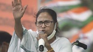 'Undemocratic & Unconstitutional': Mamata Banerjee to Stage Dharna in Kolkata Today to Protest EC's 24-Hour Campaign Ban