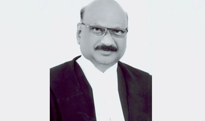 Khaskhabar/सुप्रीम कोर्ट के न्यायाधीश जस्टिस मोहन एम शांतनागोदर (Justice Mohan M Shatnagoudar) का शनिवार देर रात गुरुग्राम के एक निजी अस्पताल में निधन हो गया. वह 62 वर्ष के थे. सूत्रों ने यह जानकारी दी.सूत्रों ने बताया कि जस्टिस शांतनागोदर को फेफड़े में संक्रमण के चलते मेदांता अस्पताल में भर्ती