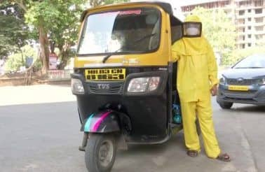 Mumbai School Teacher Drives Auto-Rickshaw To Ferry COVID-19 Patients For Free, VVS Laxman Tweets About Him