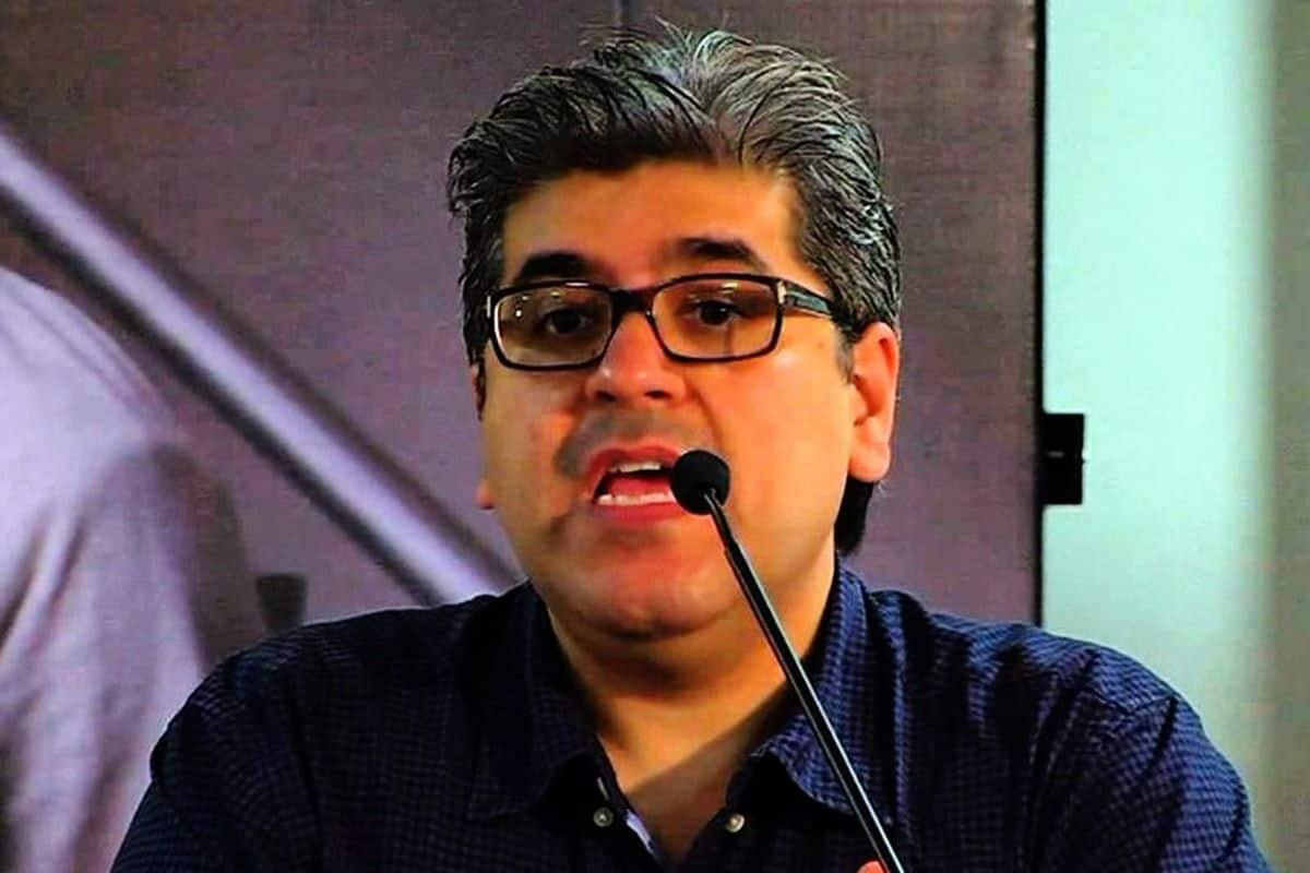 Rajeev Masand is Critical in Hospital After Testing Covid-19 Positive, His Oxygen Level Drops
