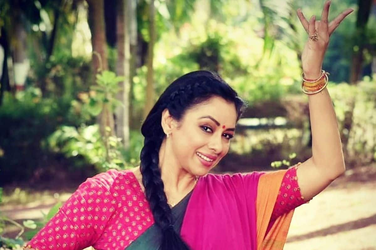 Anupama Fame Rupali Ganguly Once Again Takes Nataraja Avatar in Simple Pink Saree