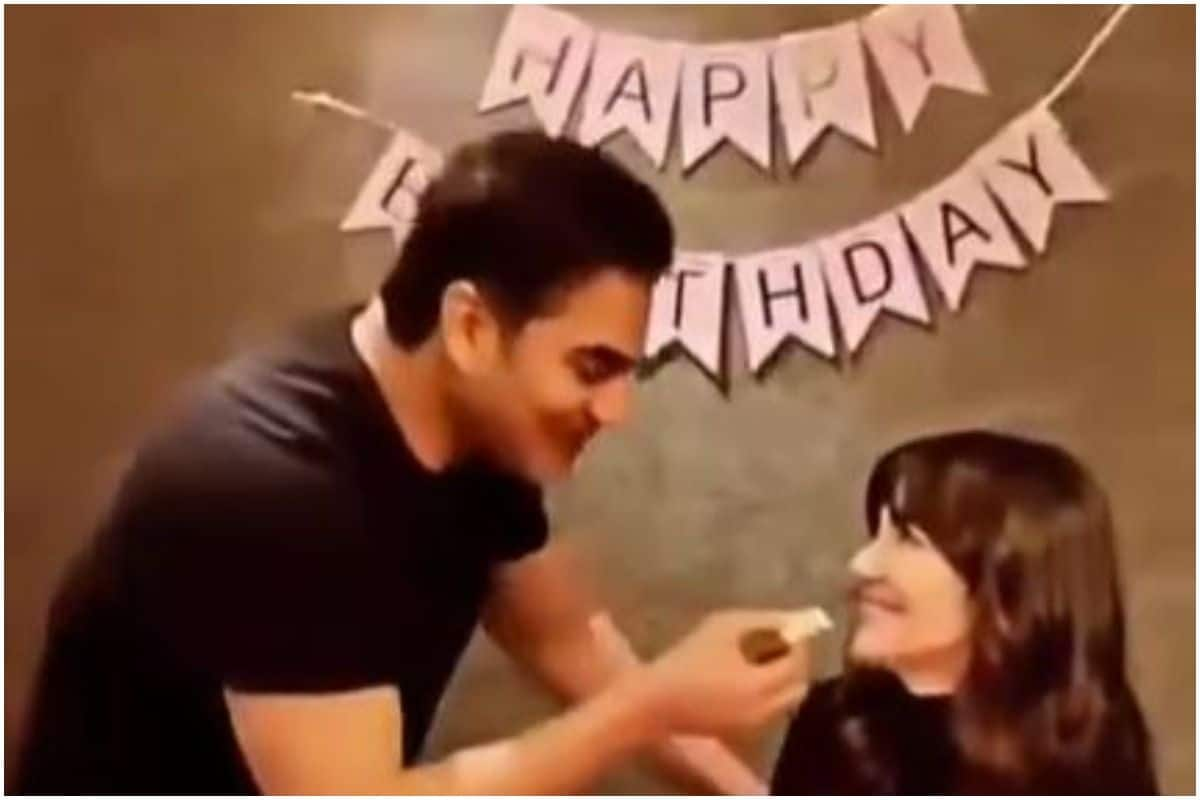 Arbaaz Khan Celebrates Girlfriend Giorgia Andriani's Birthday, Feeds Cake Cutely- Watch