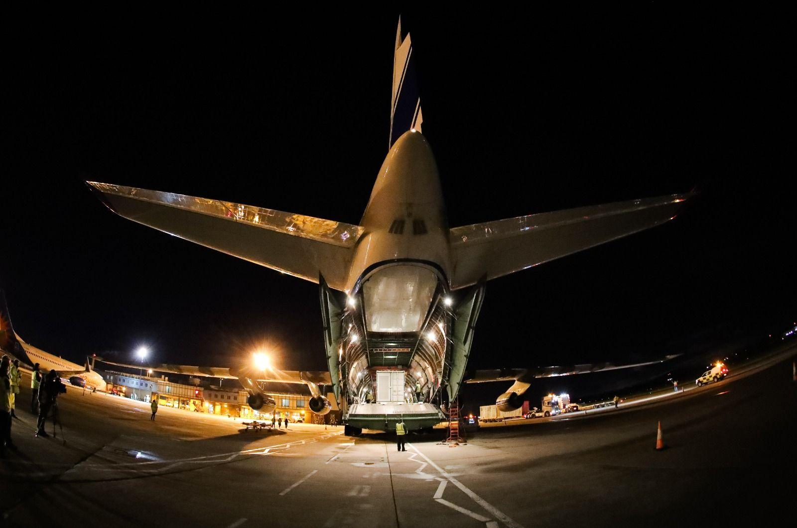 World s largest cargo plane photos