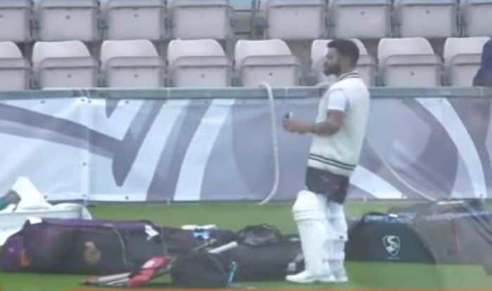 Virat Kohli Hit by a Mohammad Shami Bouncer During Team India's Practice Session in Southampton Ahead of WTC Final: Reports