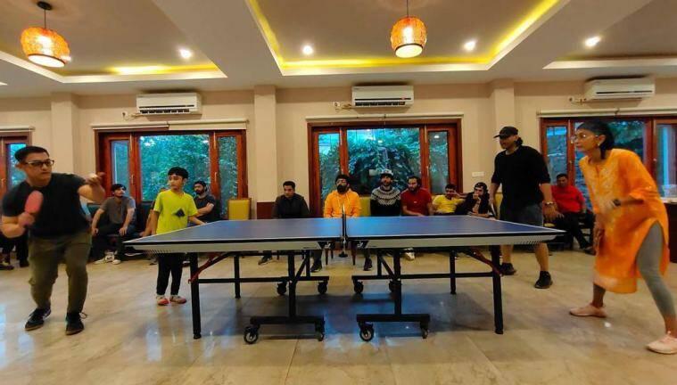 Aamir Khan, Kiran Rao and Son Azad play table tennis on the sets of Laal Singh Chaddha