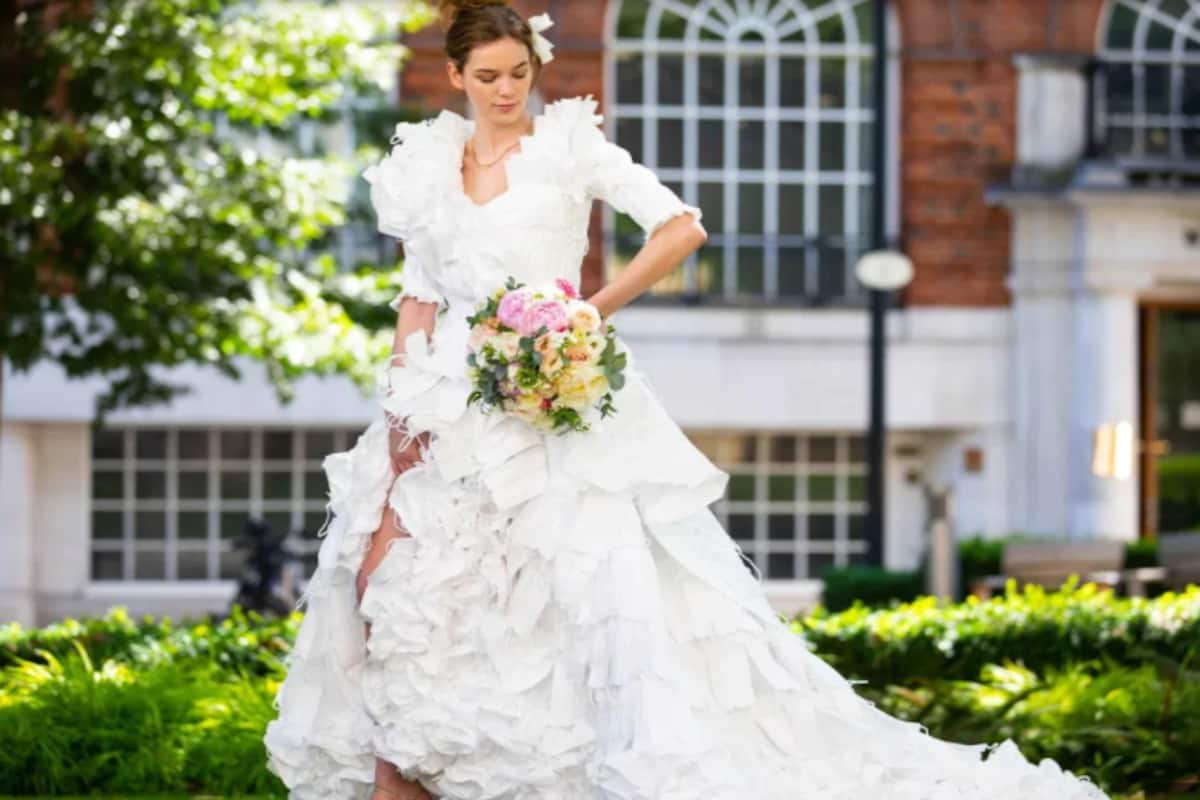 Model Showcases Stunning Wedding Gown Made Entirely of 20 ...