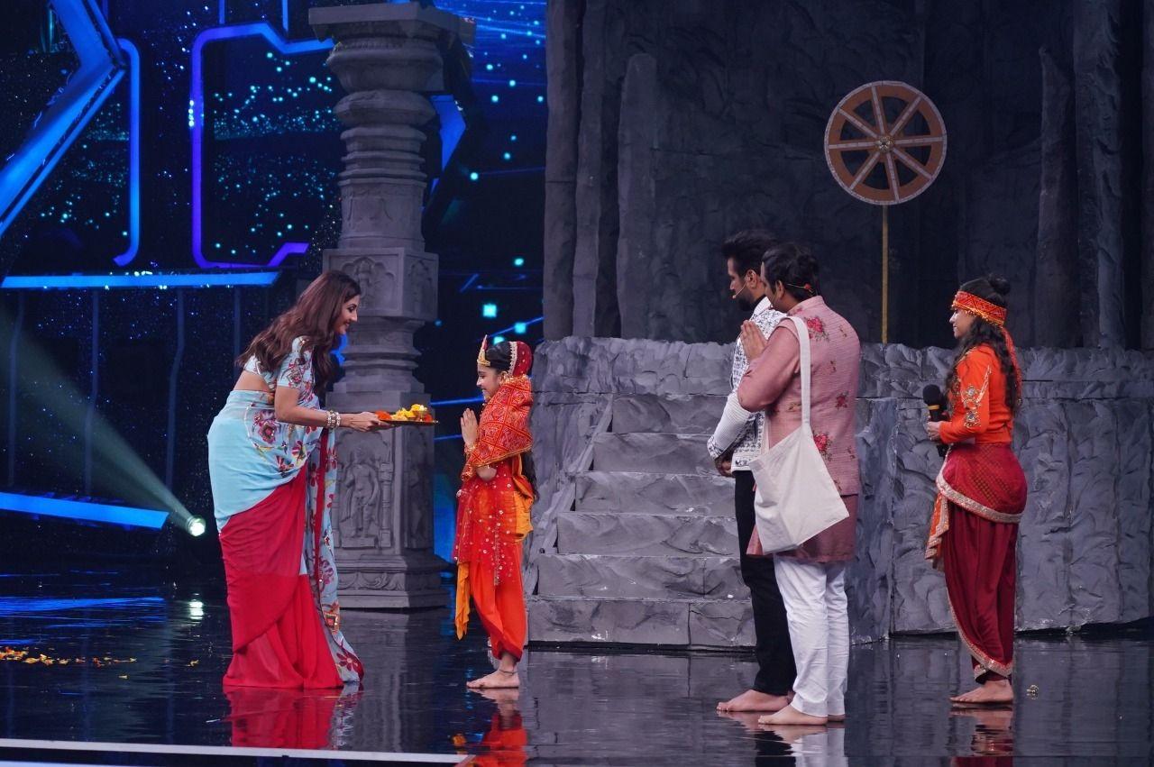 Super Dancer Chapter 4: Shilpa Shetty performs kanjak pooja for Arshiya