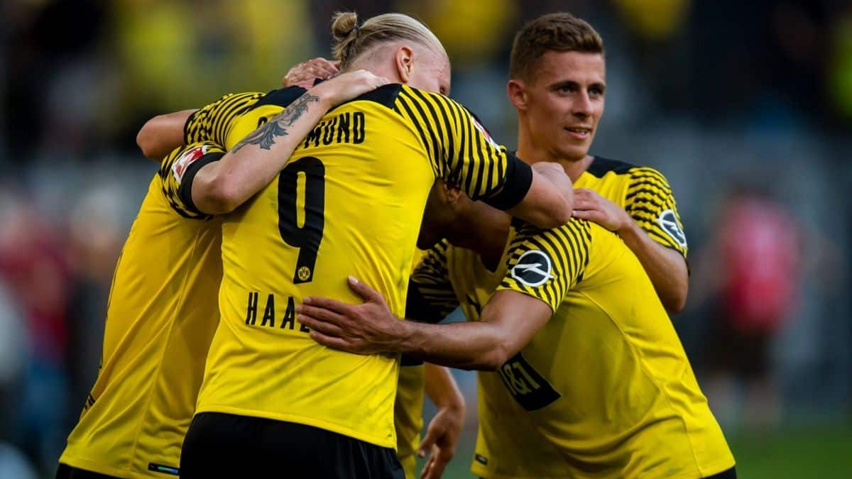 Captain Fantasy Tips Borussia Dortmund vs Bayern Munich Time  German Super Cup Live Stream India ...
