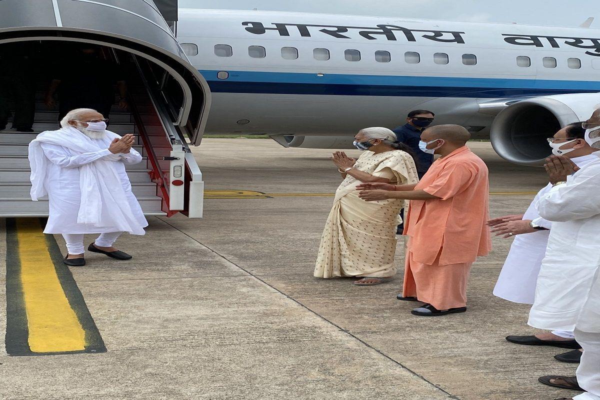 PM Modi Landed in Lucknow to Pay Tributes to Kalyan Singh