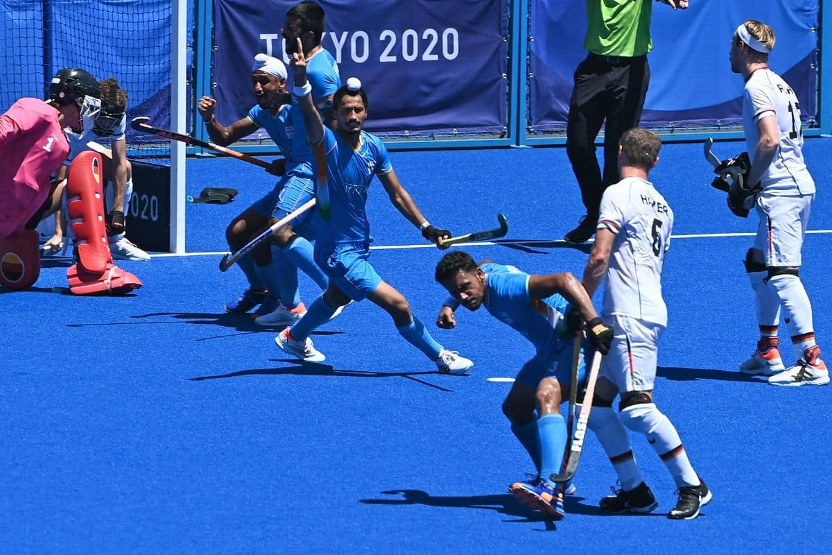 India Men Hockey Team Wins Bronze at Tokyo Olympics With 5-4 Win Over  Germany, Ends 41-Year Wait For Medal