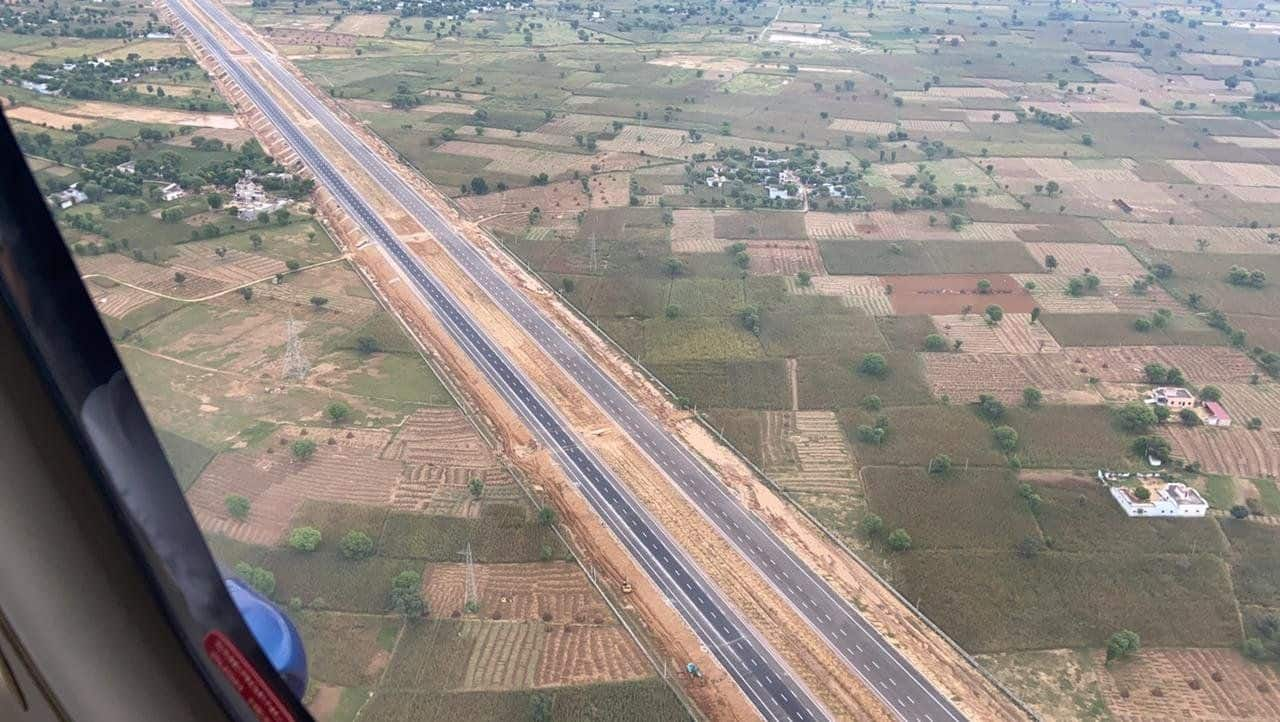 The new expressway is expected to halve the commute time between Delhi and Mumbai.