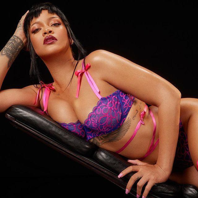 Rihanna hot photo