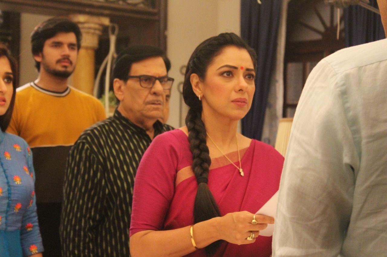 Anupama gives a befitting reply to Vanraj (Picture Credits: Team Anupamaa)