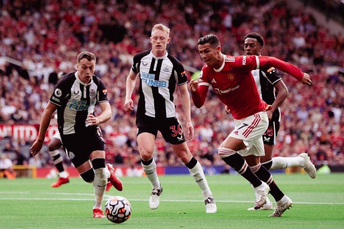 LIVE Manchester United vs Newcastle, Premier League: Cristiano Ronaldo Scores Brace as United Move to Top of Table